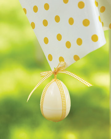 Easter-Egg-Tablecloth-Weights