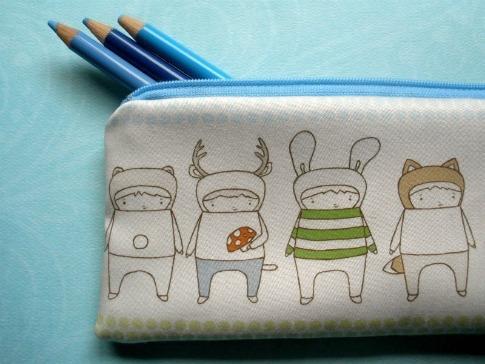 Pocket-Carnival-Pencil-Case-Dots