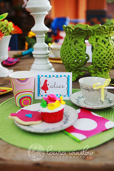 Alice-in-Wonderland-Placecards-TomKat-Studio-Etsy
